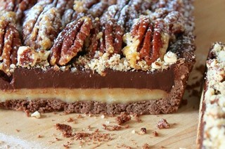 Chocolate and salted caramel tart with pecans – recipes and wine pairings
