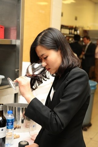 Chinese sommelier GUO Ying © Decanter
