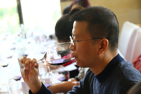 Image: Wine lovers at Decanter Shanghai Fine Wine Encounter, credit Decanter