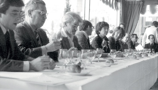 Image: Steven Spurrier (sixth from left) asked his wife Bella to take photos of the tasting – the only ones to record the famous event