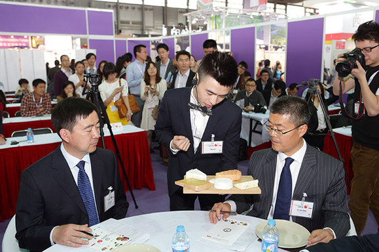 Image: Sommelier competition in China, credit LI Demei