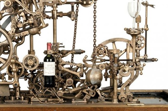 Image: Self-pouring wine machine, credit Rob Higgs