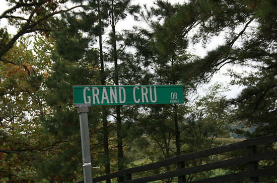 Grand Cru Drive street sign inside the Trump winery estate. Credit: Andrew Jefford.