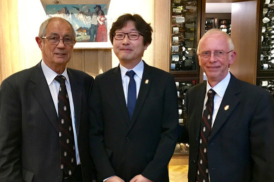 Image: LU Yang (middle) became the first Chinese Master Sommelier. Credit: Court of Master Sommeliers