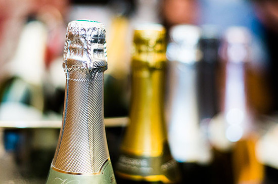 What's the difference between Champagne and Prosecco? Credit: Cath Lowe/Decanter