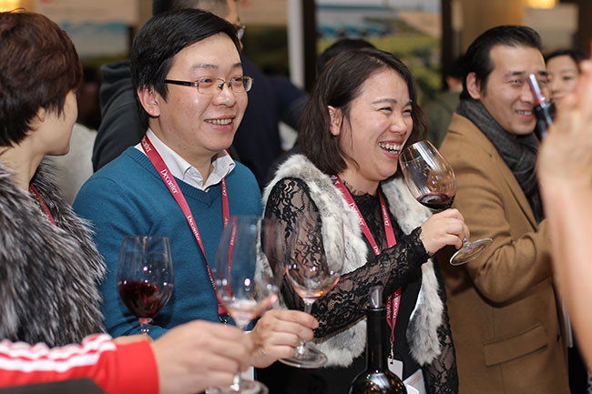 Happy wine lovers at 2015 Decanter Shanghai Fine Wine Encounter