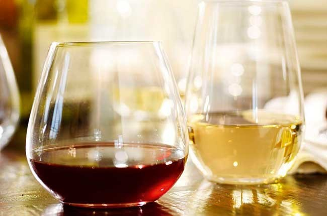 Are there any benefits to stemless glasses? – ask Decanter