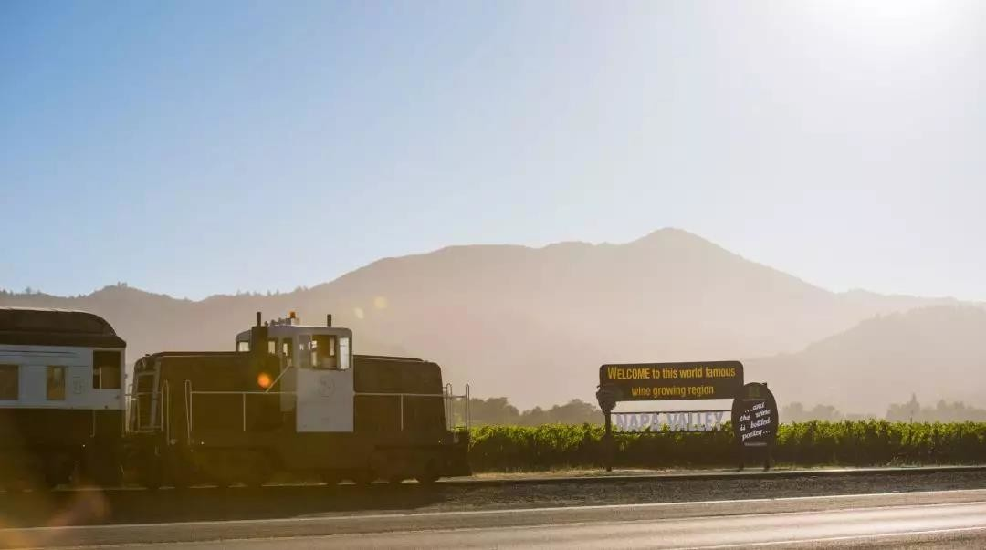What it's like to ride the Napa Valley wine train
