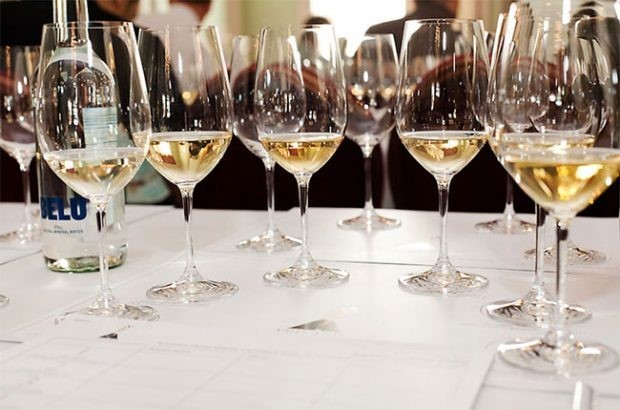 When to decant white wine - Ask Decanter