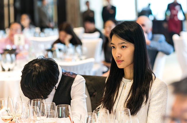 Follow Decanter WeChat to receive alerts on latest wine events in China