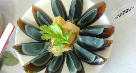 Wine matching forum in Shanghai and Hunan century eggs