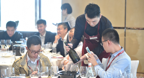 Transition from sommelier to ex-sommelier in China