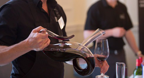 Why and how to decant your wine