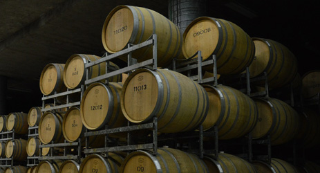 Lower-priced imports fuel Australian wine rebound in China